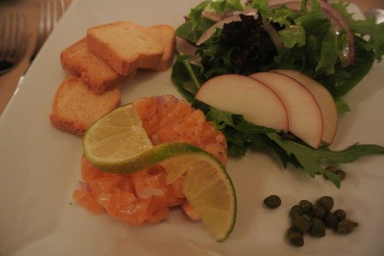 Auberge la Fjordelaise: Tartare de saumon