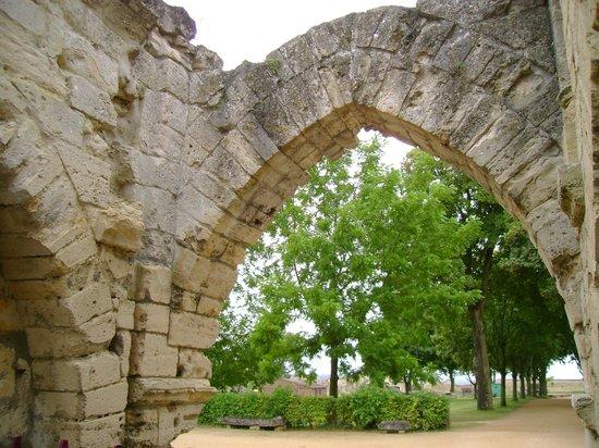 Château de Coucy : Une arche rescapée