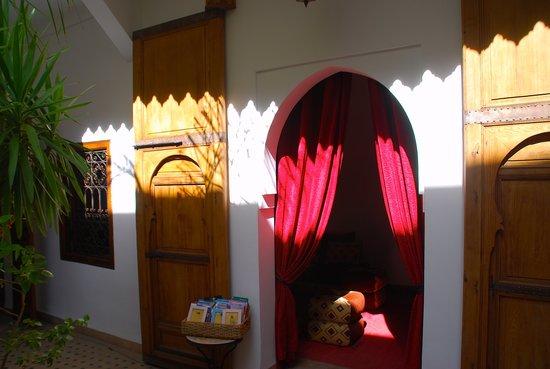 Ombres et lumières au Riad Limouna