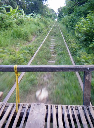 Bamboo Train: Le rotaie!!