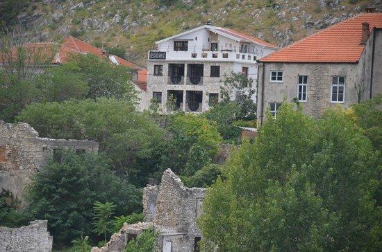Villa Anri Mostar: View of Villa Anri from Mostar Bridge