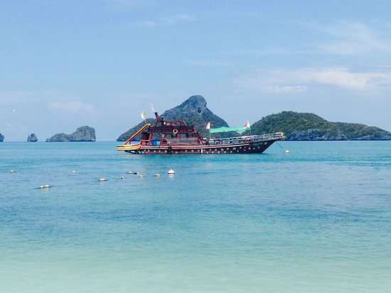 Orion Boat Trips - Day tours: The Orion boat we used close up. Same age as most boats on Koh Phangan but it had a slide and di