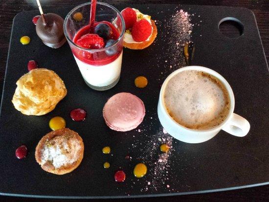 Le Bistro Quai : Café gourmand