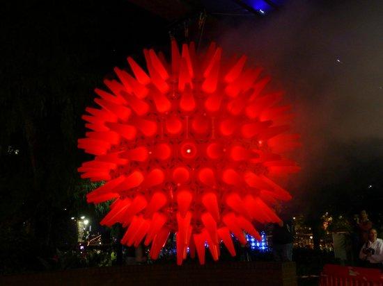 Vivid Sydney : A Giant Glowing Ball