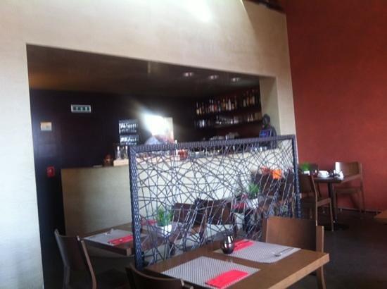 Cafe de la Collegiale : salle à manger