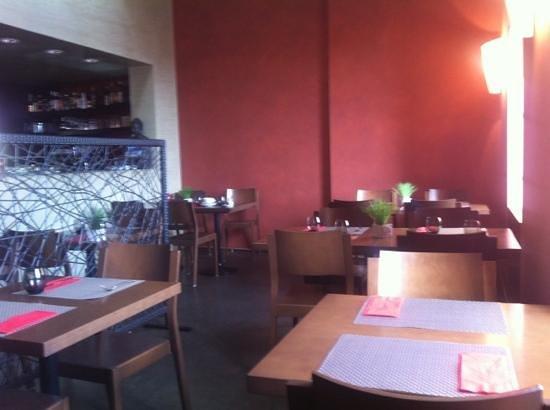 Cafe de la Collegiale : salle à manger bis