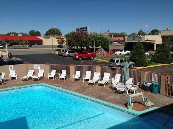 Best Western Turquoise Inn & Suites: Härlig pool efter en resdag