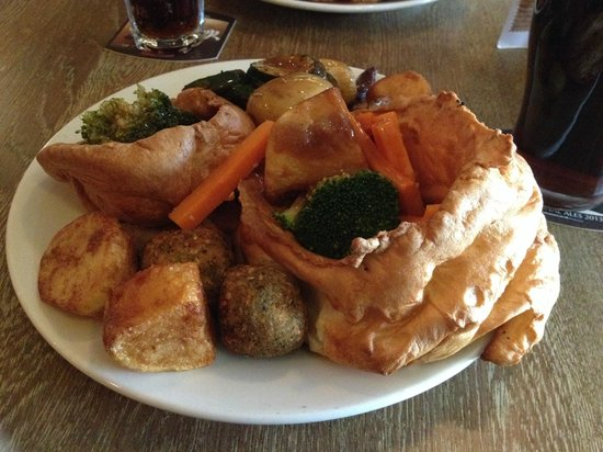 Fletchers Arms: An example of the King Carvery option with the two Yorkshires