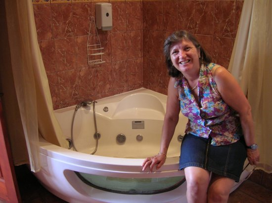 Natural Pacific Suites : Jacuzzy