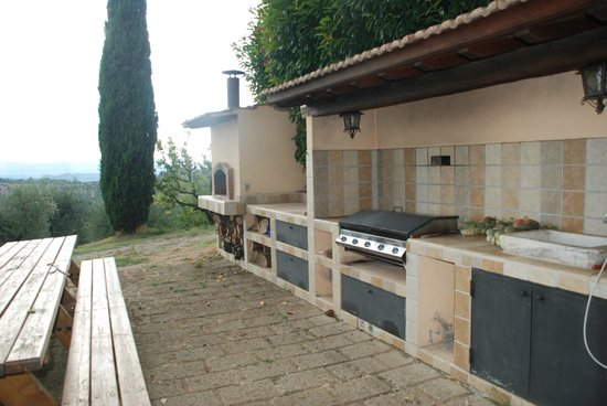 Al Gelso Bianco Farm-Holiday Resort : Woodfire Oven and BBQ
