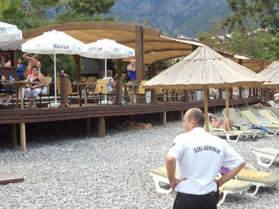 Alkoclar Exclusive Kemer: zicht op het strand