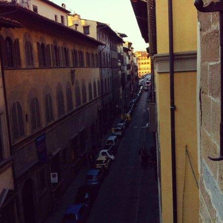 B&B Bonsignori: View if the Center across ponte Santo Spirito
