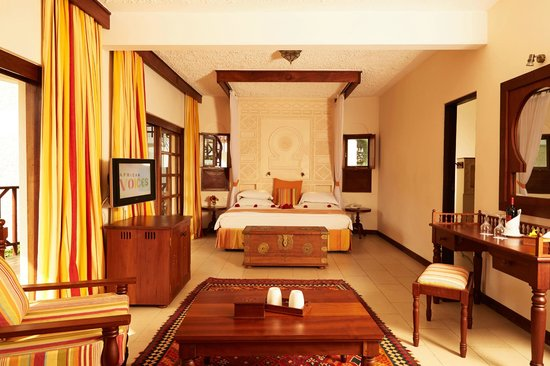 Neptune Village Beach Resort & Spa: Master Suite