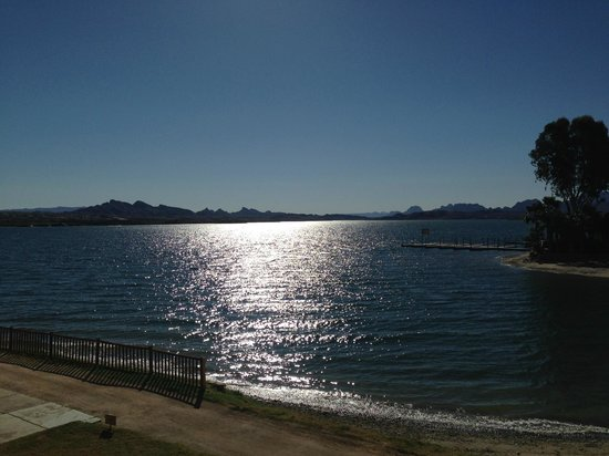 The Nautical Beachfront Resort: Lake Havasu från balkongen