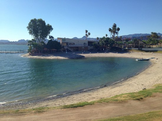 The Nautical Beachfront Resort : Egen strand vid hotellet