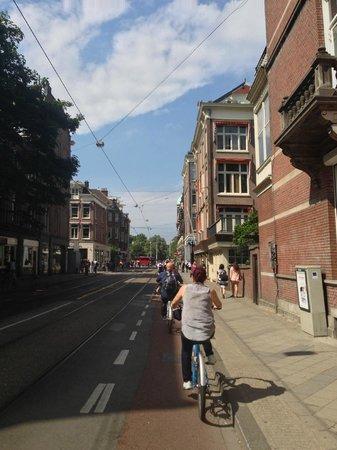 Joy Ride Tours : Riding into the city