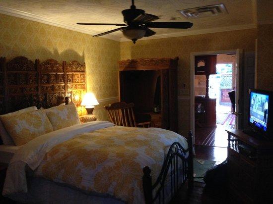 Dover Garden Suites: Bedroom