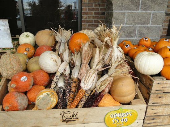 Cafe at Wegmans: Fall decorations