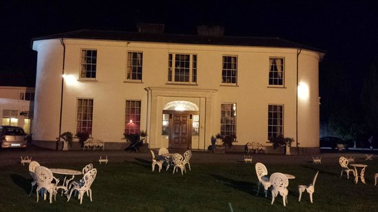Springfort Hall Country House Hotel: Front of Hotel at Night