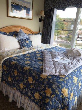 Harborage Inn on the Oceanfront : bed