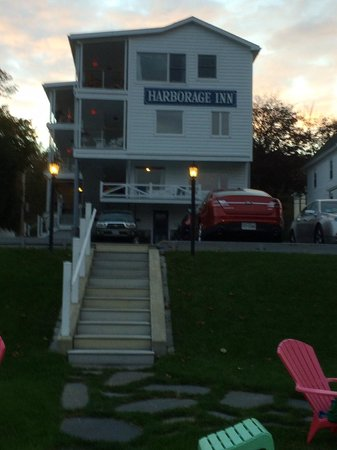 Harborage Inn on the Oceanfront: back of house