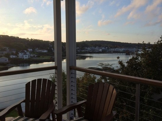 Harborage Inn on the Oceanfront: view from porch
