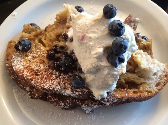 Harborage Inn on the Oceanfront: blueberry creme brulee french toast with vanilla infused whipped cream