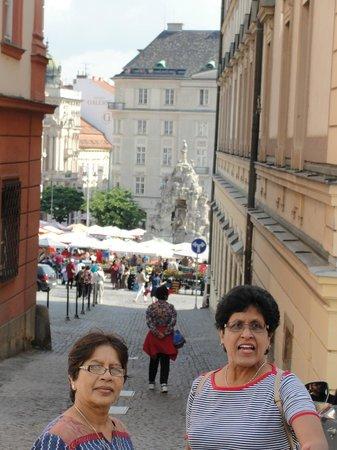 Hotel Vista: market view