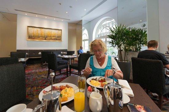 Radisson Blu Plaza Hotel Sydney : Breakfast