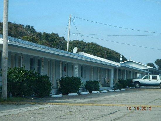 Falcon Motel: view driving in
