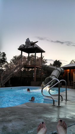 Still Waters Resort: Pool with slide