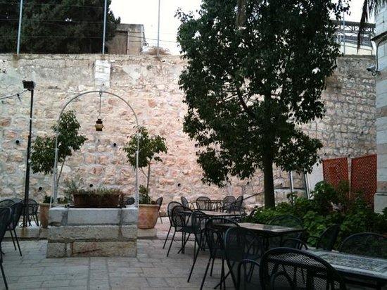 Austrian Hospice : garden