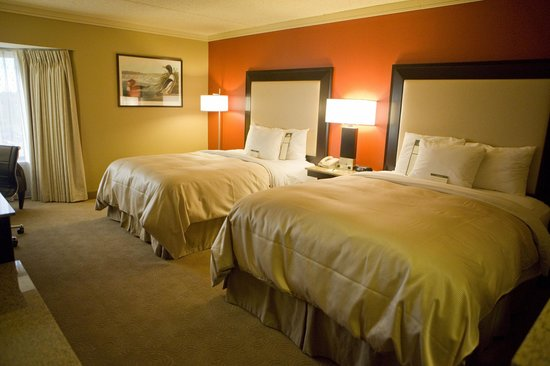 Woodcliff Hotel and Spa: Deluxe Queen Guestroom