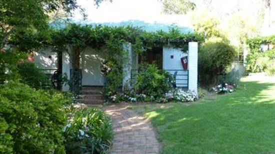 Rivonia Bed & Breakfast: Kamer begaande grond