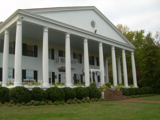 Rosemont Manor : Overlooking The Valley and The Blue Ridge