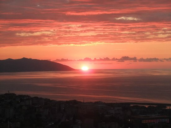 Boztepe: Herrlicher Sonnenuntergang über Trabzon