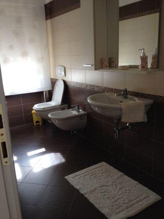 B&B Villa Lina: Bathroom