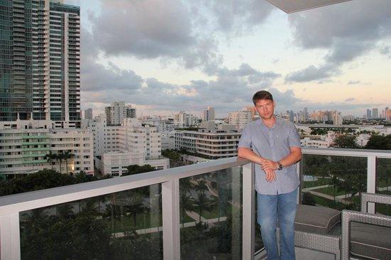 W South Beach: вид на вечерний Майами Бич