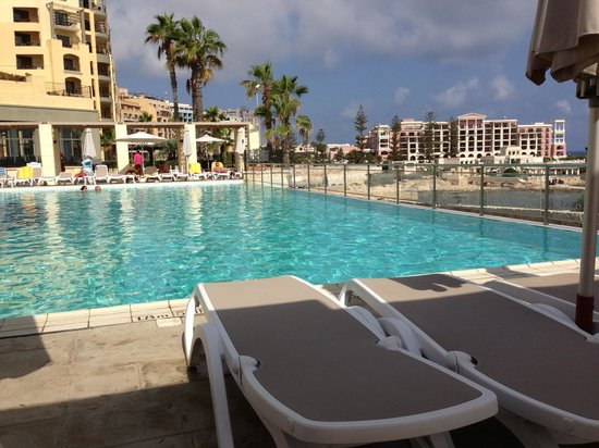 Hilton Malta: adult only pool