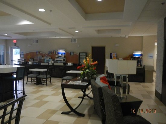 Holiday Inn Express & Suites Havelock : breakfast area