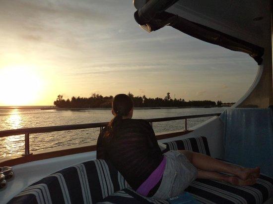 Dive The World Maldives: Sunset in Maldives