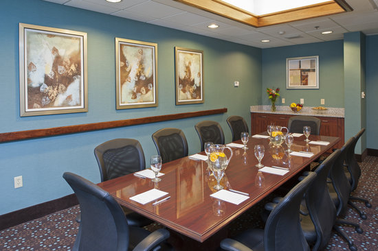Hampton Inn & Suites Kokomo: Our renovated meeting spaces are a sure to be a great fit for your next meeeting or event.