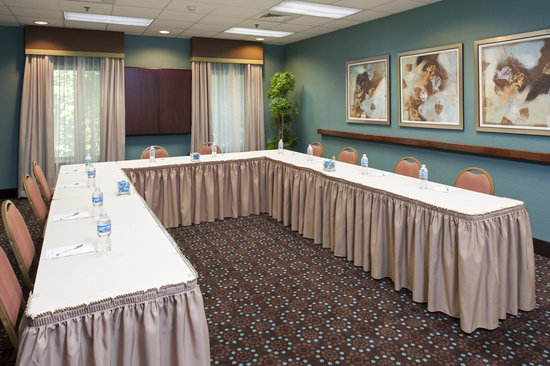 Hampton Inn & Suites Kokomo: Our renovated meeting space are a sure to be a great fit for your next meeeting or event.
