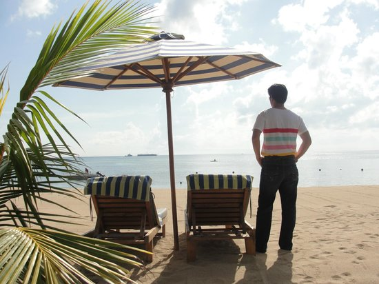 The Oasis Beach : private beach
