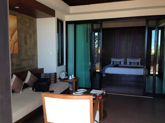 Crown Lanta Resort & Spa: A view to the bead room
