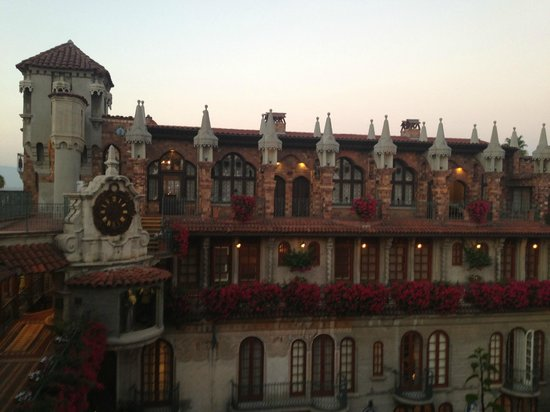 The Mission Inn Hotel and Spa: fourth floor suites
