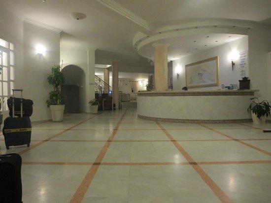 Aegean Plaza Hotel: Lobby
