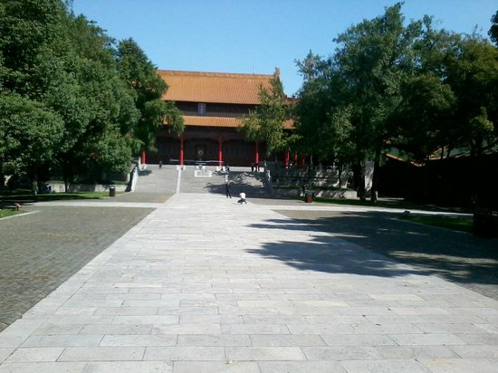 Chaotian Gong of Nanjing: Inside the campus