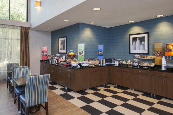 Hampton Inn & Suites South Bend: Our free hot breakfast is a great way to start off your day!