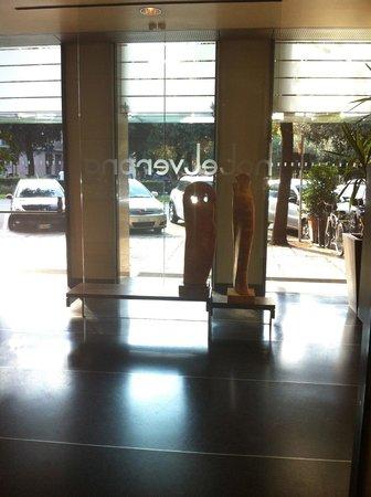 Hotel Verona looking outside
